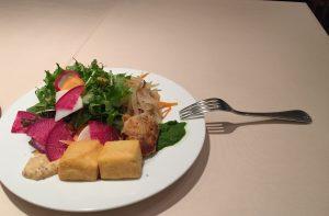 サラダとフォーク